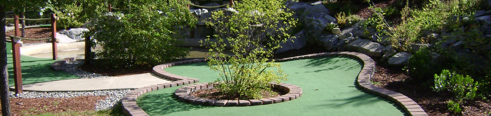 hole 1 mini golf course design