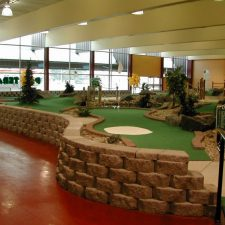 retaining wall mini golf