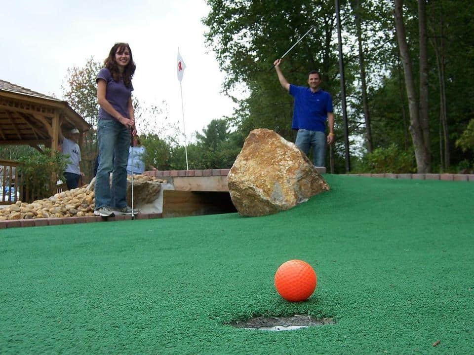 chucksters mini golf