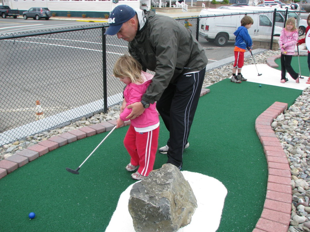 father daughter mini golf experience