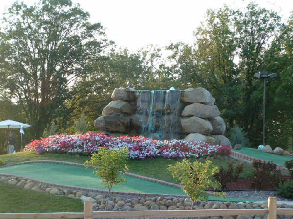 flowers and waterfall mini golf course design