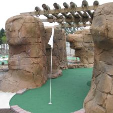 canyon mini golf course design