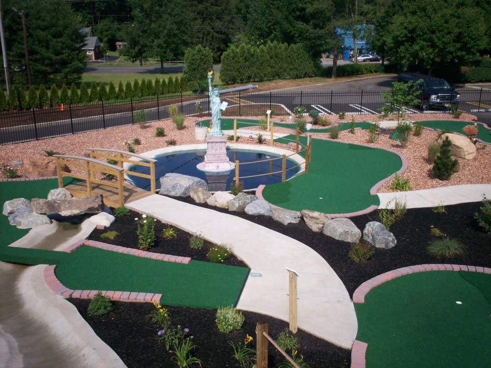 statue of liberty miniature golf course design
