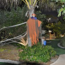 spooky mini golf