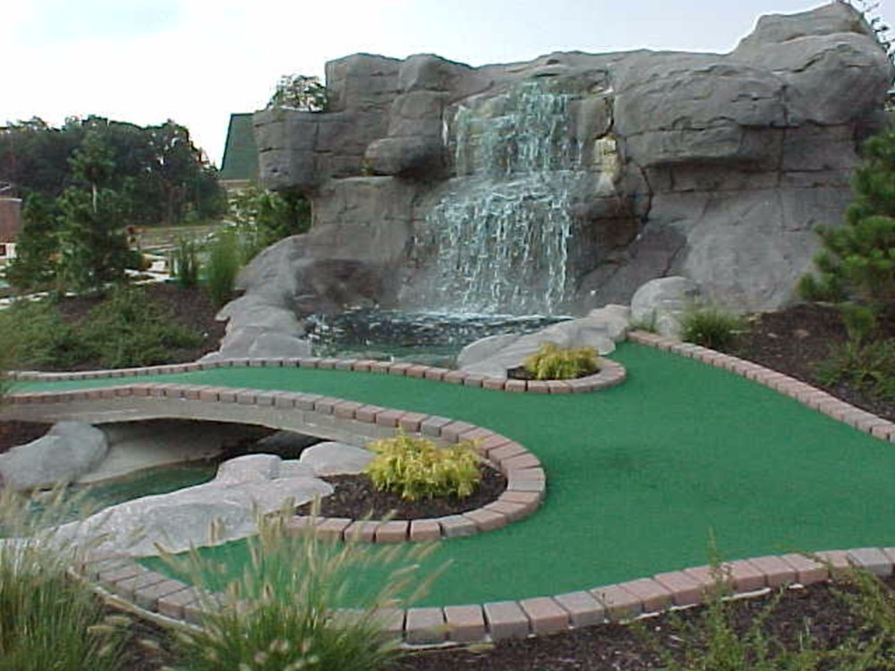 bridge shot mini golf