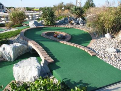 loop shot mini golf course design