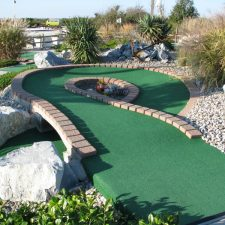 over under shot mini golf course design