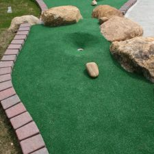 rocks mini golf course design