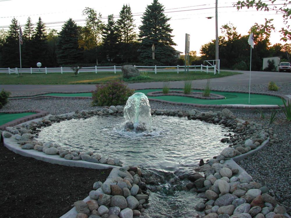 fountain mini golf course design